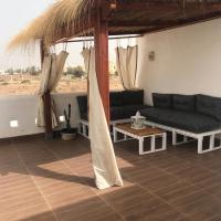 Villa avec piscine, hotel in Triffa