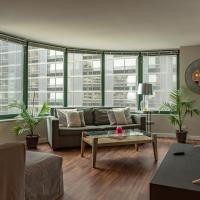 ENVITAE 3BR Downtown Luxurious Suite Views & Pool