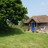 Eatonden Manor Farm, hotel in Burwash