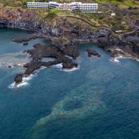 Caloura Hotel Resort, hotel em Caloura