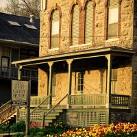 Abe's Spring Street Guest House, hotel in Galena