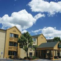 La Quinta Inn by Wyndham Kansas City North, hotel in Kansas City