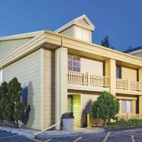 La Quinta Inn by Wyndham Oshkosh, hotel in Oshkosh