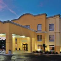 La Quinta by Wyndham Florence, hotel in Florence