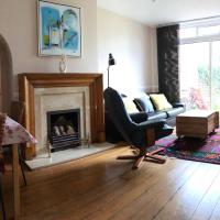 63 Aragon Road, hotel in Kingston upon Thames
