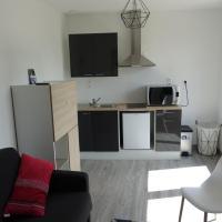 Studio au calme, hotel in Sablé-sur-Sarthe