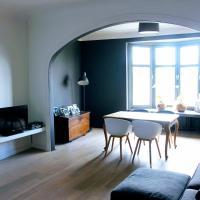 Spacious beautiful appartment in Antwerp, hotel in Antwerp