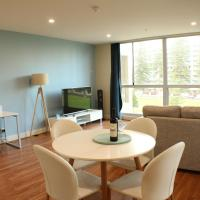 Beachside Luxury 2 Bedroom Getaway, hotel in Glenelg