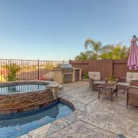 5 Bed 3 Bath Vacation home in San Diego