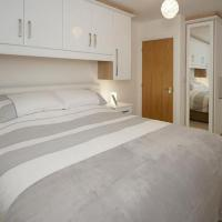 Modern apartment in Deganwy with parking