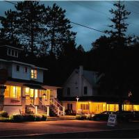 Miners' Bay Lodge, hotel in Minden