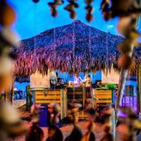 The Wizard & Bar BARU, hotel in Playa Blanca