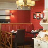 Hotel Internos, hotel in De Haan