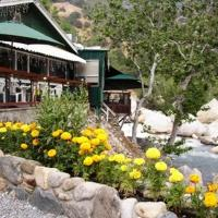 The Gateway Restaurant & Lodge, hotel in Three Rivers