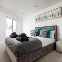 Contemporary Two Bedroom House in Leckhampton