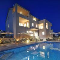 Deluxe Villa No.10 - Rooms & Apartments, hotel in Mandre