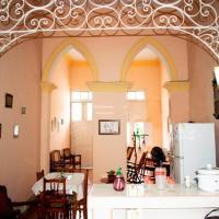 Casa Hospedaje Encanto, hotel in Bayamo