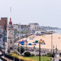 Margate Sands Apartment from SoHot Stays - Central Location