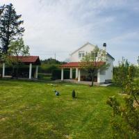 House Adriana, hotel in Parčić