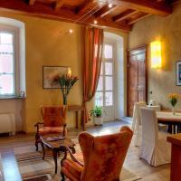 Domus Aurea, hotel a Saluzzo