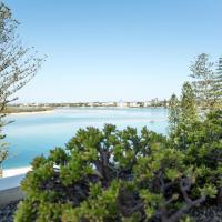 Rumba Beach Resort, hotel in Caloundra