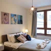 Artsy Design Apartment with Netflix & Balcony