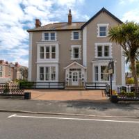 Lansdowne House with Private Car Park, hotel in Llandudno