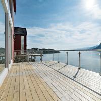 Lofoten waterfront luxury lodge