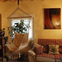 Chambre d'hôtes FANFALOCHE, hotel in Montagnieu