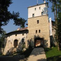 Zamek Korzkiew, hotel en Korzkiew