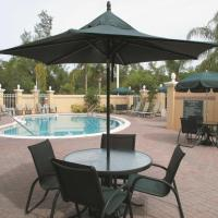 La Quinta by Wyndham Naples Downtown, hotel in Naples