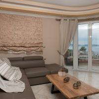 Vicky's Luxury Apartment with Sea View