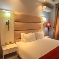 Glee Hotel, отель в Лагосе