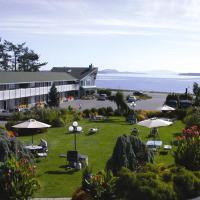 The Cedarwood Inn & Suites, hotel near Victoria International Airport - YYJ, Sidney