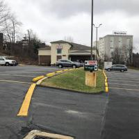 Economy Inn PIT Airport, hotel near Pittsburgh International Airport - PIT, Moon