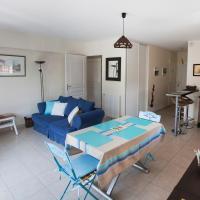 Appart Résidence proche plage avec piscine, hotel in Merville-Franceville-Plage