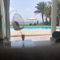 Paradise BeachVilla, hotel in Perivolia