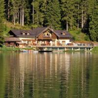 Appartamenti Chalet al Lago, hotel in Alleghe