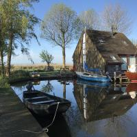 Gorgeous Lakeside Holiday Home in Gaastmeer