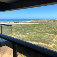 Luxury 3 BR Sea View Apartment near the Beach + Parking, hotel near Sde Dov Airport - SDV, Tel Aviv