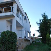 Villa California, hotel in Sinemorets