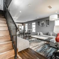 Newly built NoHo Vacation & Business House p20 - 30 Night Minimum