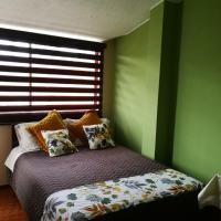 Chapelet Hostal, hotel em Tababela