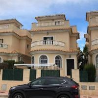 Casa Oasis Dali, hotel in Llobregales