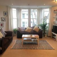 Modern 2 Double Bedroom Flat near Gloucester Road