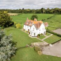 Lower Bryanston Farm, hotel in Blandford Forum