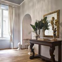 LUXURY w/Outdoor Space Best Location in Florence
