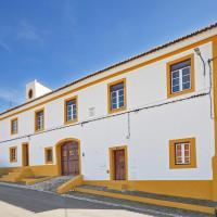 Casa de Veiros / Estremoz
