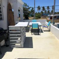 Las Olas Beach House, hotel in Arecibo