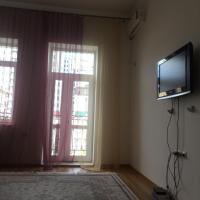 Уютная просторная 2 комнатная квартира в самом центре Грозного с потрясающим видом на основные достопримечательности. Только для гостей столицы! Местным не беспокоить ( отдых на время не возможен)